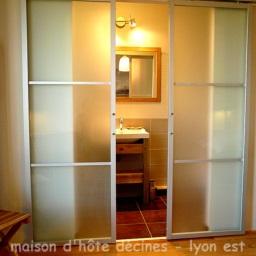maison et chambre d 39 h te lyon est proche villeurbanne bron. Black Bedroom Furniture Sets. Home Design Ideas